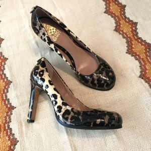 Vince Camuto Leopard Print Heels Round Toe